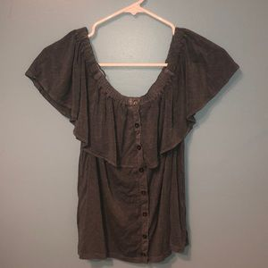 Off the shoulder shirt! GREAT CONDITION